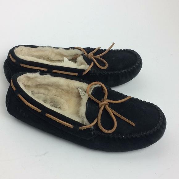 0fc30ff285c UGG Women's Black Dakota Slipper Size 7